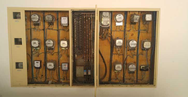 Quadro Eletrico Feio