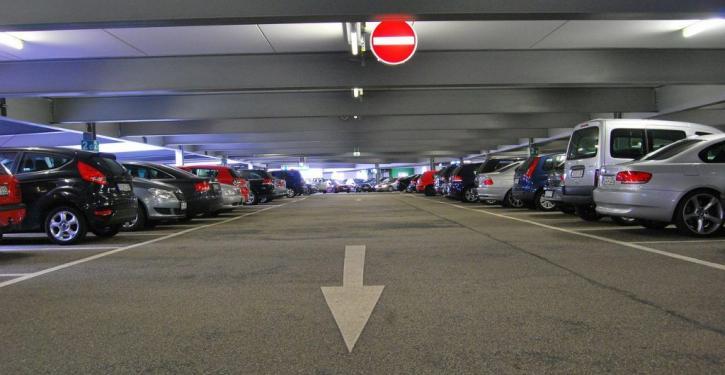 Como organizar a garagem do condomínio em 4 passos