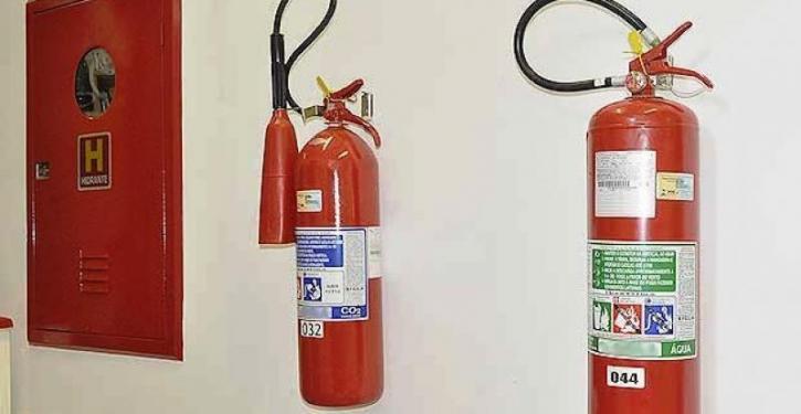 O sistema de prevenção contra incêndios do condomínio deve passar pela aprovação do Corpo de Bombeiros
