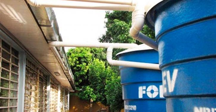 Condomínios aderem à captação da água da chuva